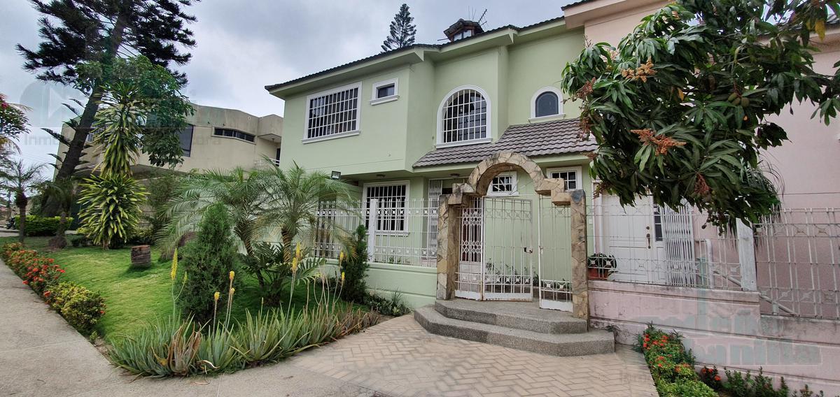 Foto Departamento en Alquiler en  Norte de Guayaquil,  Guayaquil  TOWN-HOUSE  CON HERMOSA VISTA  BELLAVISTA ALTA