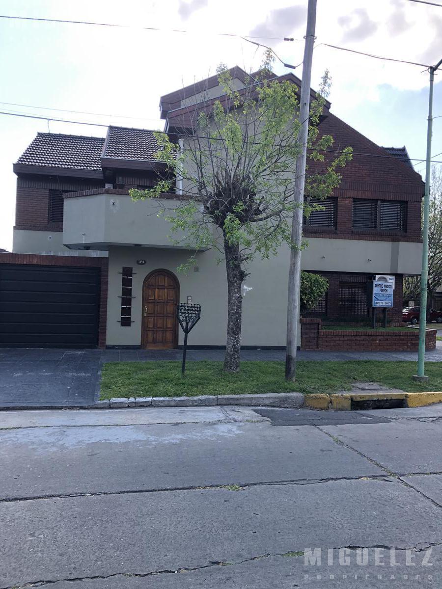 Foto Casa en Venta en  Banfield,  Lomas De Zamora  MENTRUYT 1495