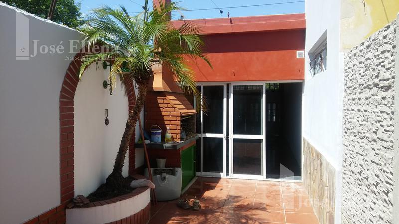 Foto Casa en Alquiler en  Matheu,  Rosario  Biedma al 2200