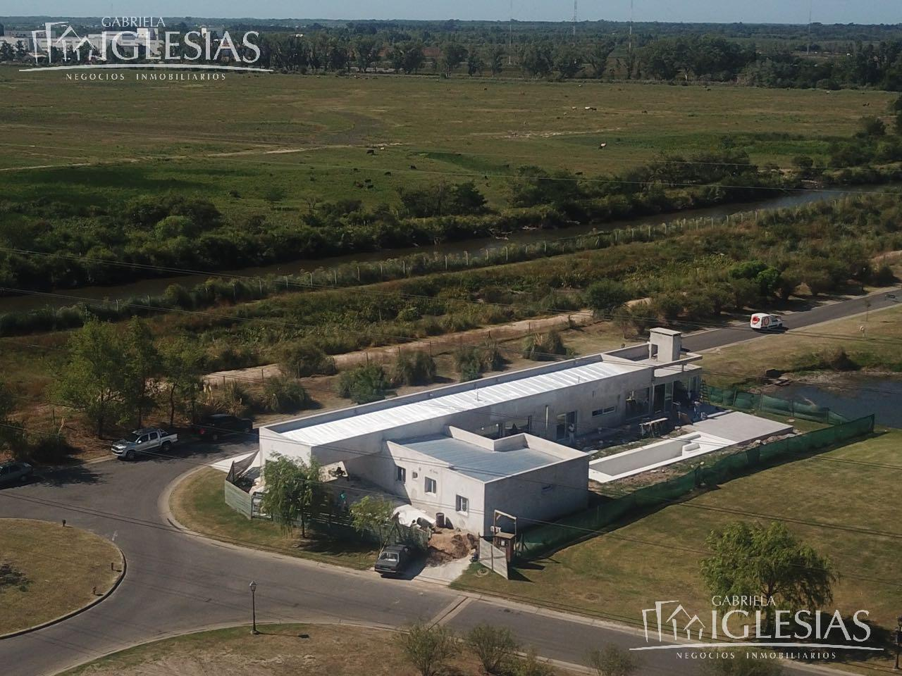 Casa en Venta en San Benito a Venta - u$s 580.000