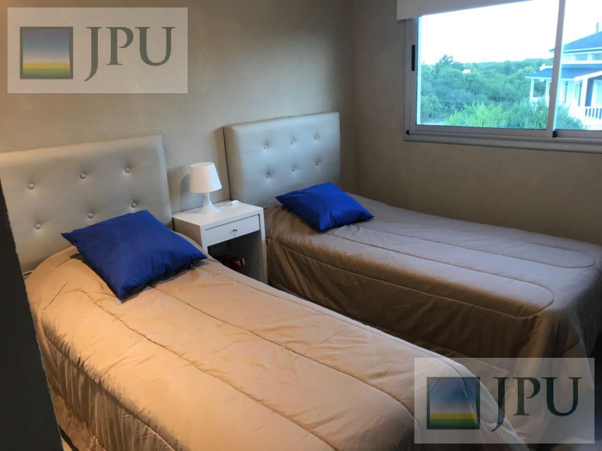 Foto Casa en Alquiler temporario en  Costa Esmeralda,  Punta Medanos  Residencial I 477