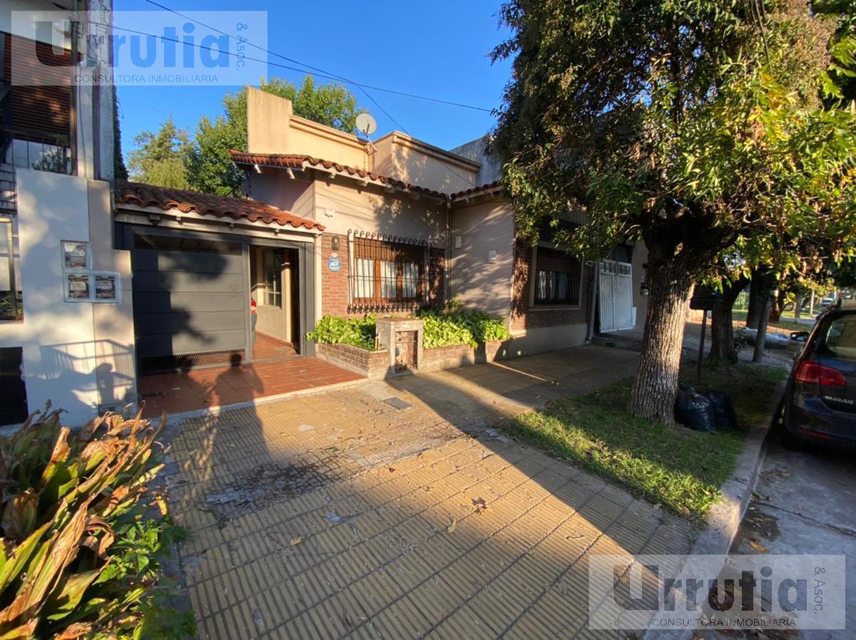 Foto Casa en Venta en  Castelar,  Moron  Villa del Lujan al 1000