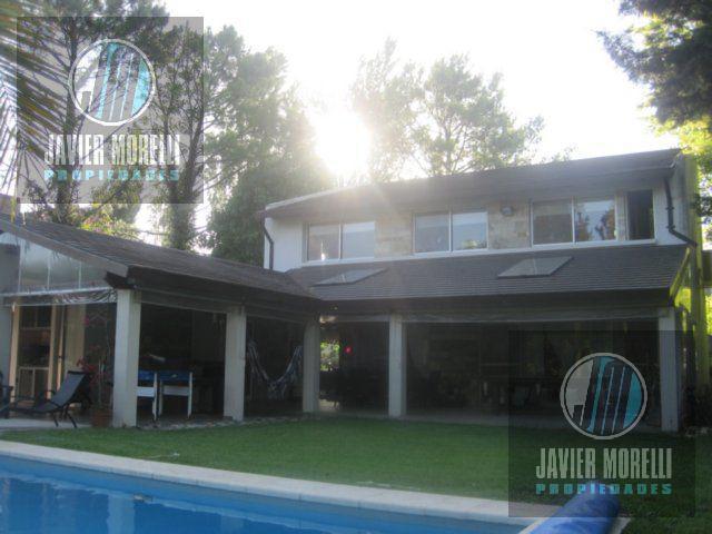 Foto Casa en Alquiler temporario en  Saint Thomas,  Countries/B.Cerrado (E. Echeverría)  Avenida Castex al 3200