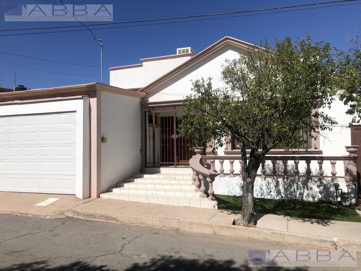 Foto Casa en Renta en  Chihuahua ,  Chihuahua  Casa en Renta Quintas del sol 4 recamaras