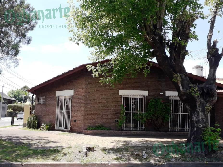 Foto Casa en Venta |  en  Castelar,  Moron  Merlo al 300