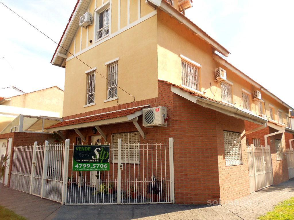Foto Casa en Venta en  Olivos-Maipu/Uzal,  Olivos  juan b justo al 3500