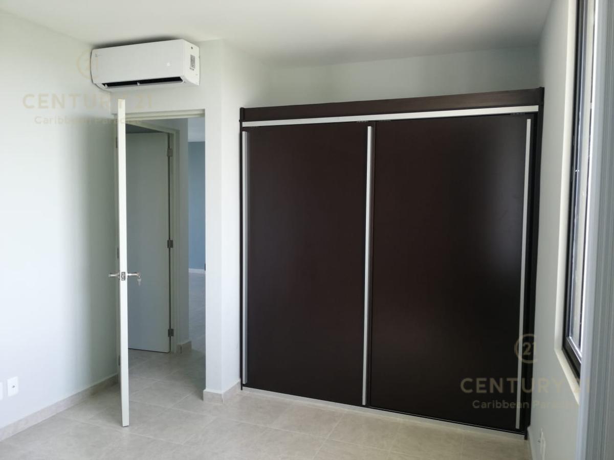 Playa del Carmen Apartment for Sale scene image 2