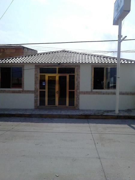 Foto Local en Venta en  Petroquímica,  Coatzacoalcos  Local Comercial en Venta, John Spark, Col. Petroquimica