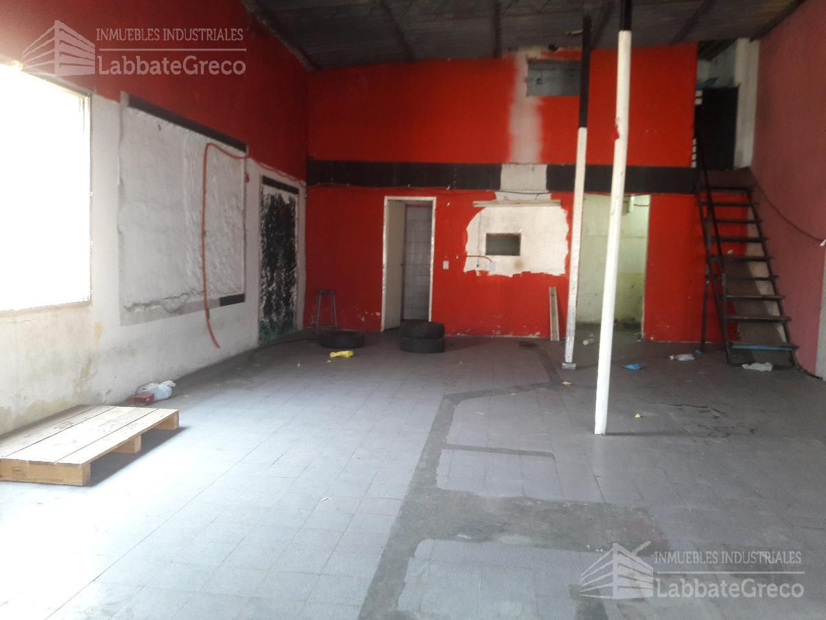 Foto Local en Venta en  S.Andres,  General San Martin  Av. Ricardo Balbin 2900