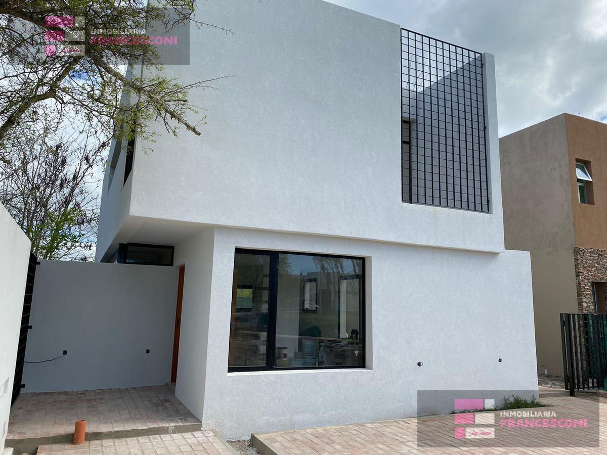 Foto Casa en Venta en  Countries/B.Cerrado (La Plata),  La Plata  El cause