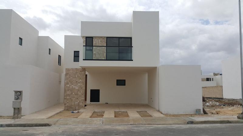 Foto Casa en Venta en  Conkal ,  Yucatán  Avenida Conkal