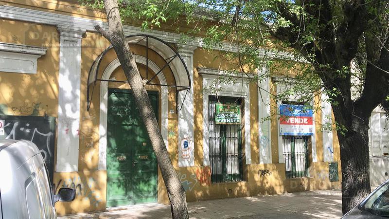 Foto Casa en Venta en  Adrogue,  Almirante Brown  TOLL 1624
