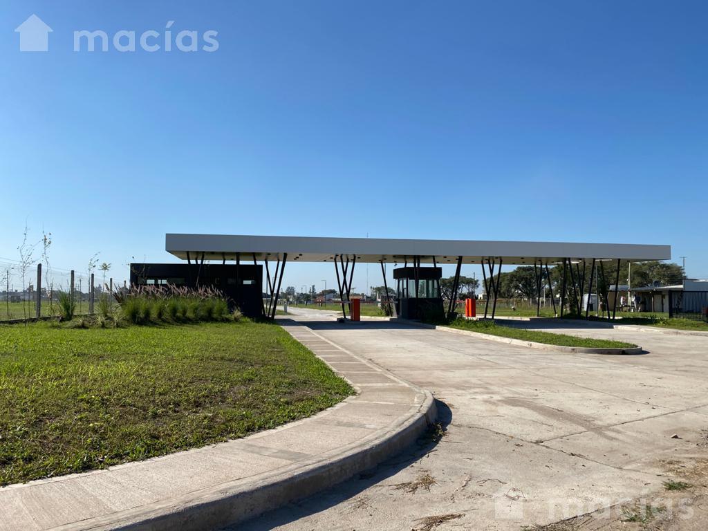Foto Terreno en Venta en  Yerba Buena ,  Tucumán  Juan Fanzolato
