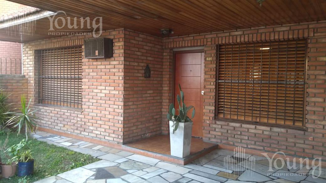 Foto Casa en Venta en  Bernal Oeste,  Quilmes  Hipólito Lugo al 400