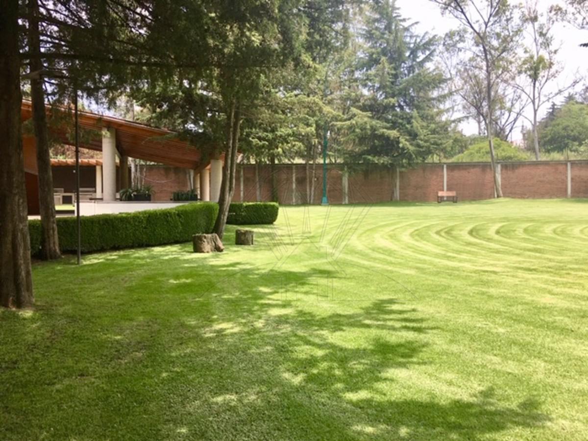Foto Casa en Venta en  Bosques de la Herradura,  Huixquilucan  Casa  en venta    Bosque de  Cataluña ,  Corazón de la Herradura (GR)