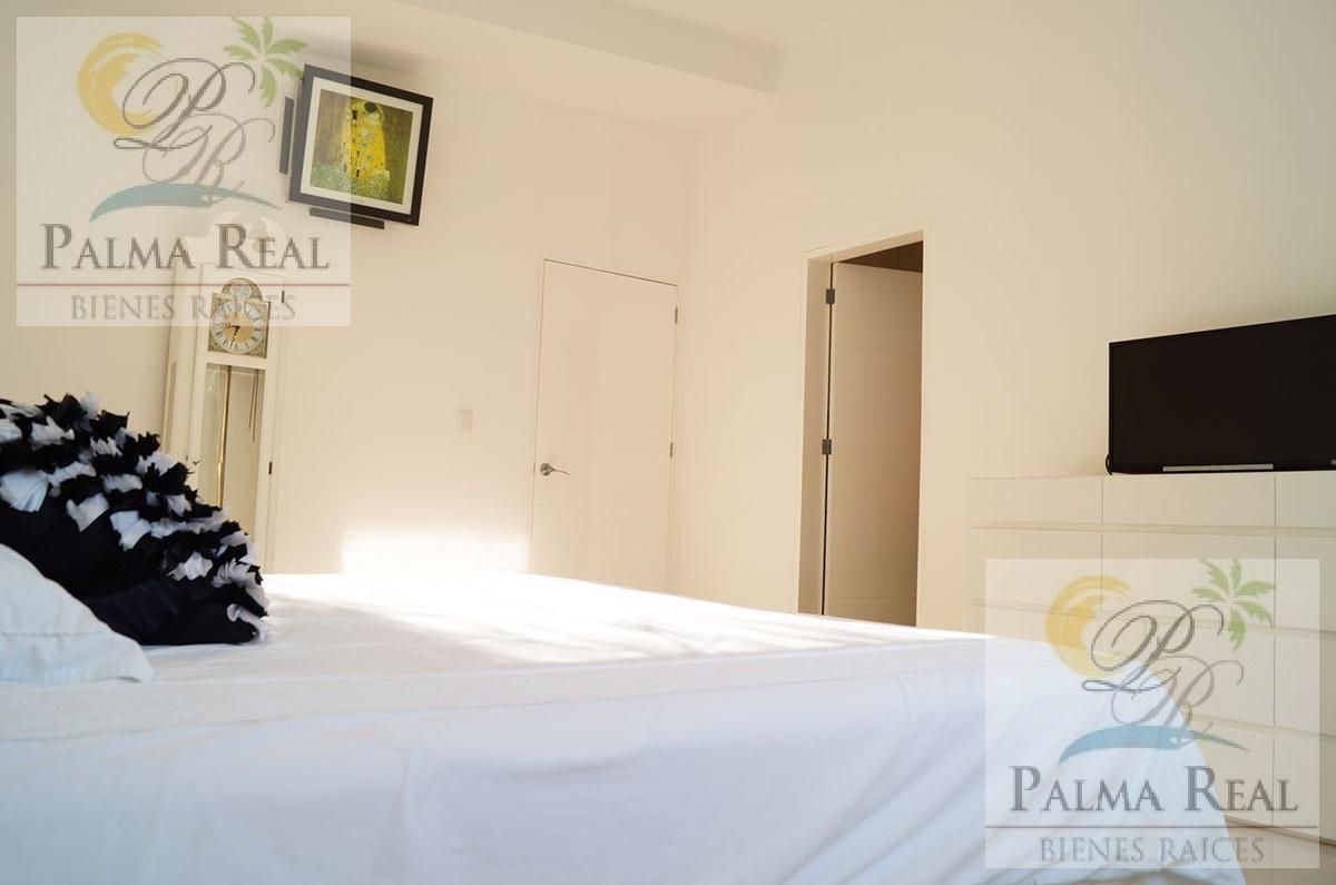 Foto Casa en Venta en  Zona Hotelera,  Cancún  ESPACIOSA CADA CERCA DEL MAR