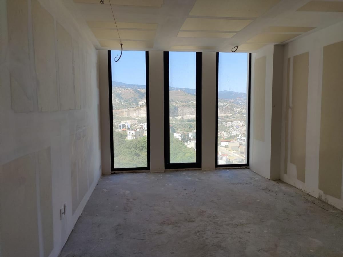Foto Departamento en Venta en  Bosque Real,  Huixquilucan  Avivia Bosque Real departamento en obra blanca a la venta, listo para estrenar (JS)