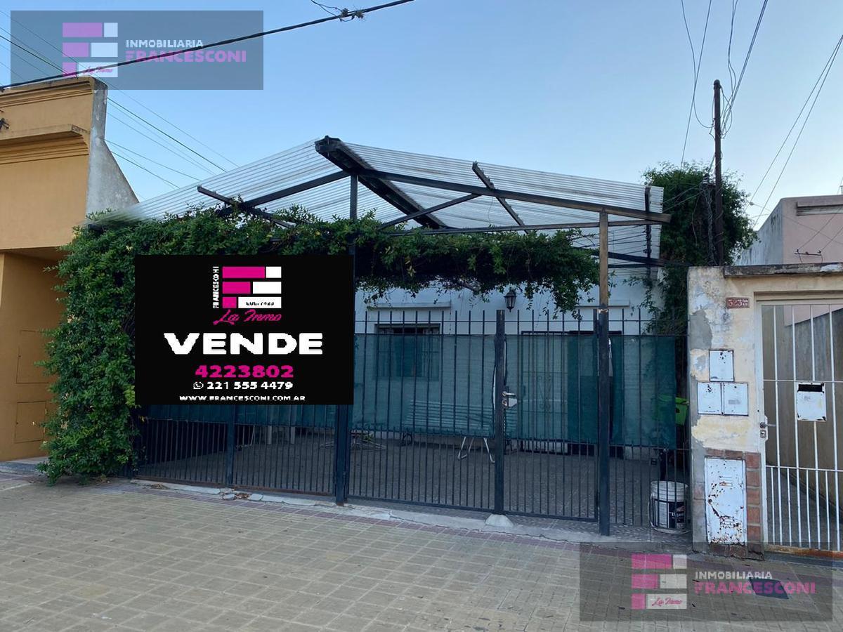 Foto Casa en Venta en  La Plata ,  G.B.A. Zona Sur  28 38 y 39