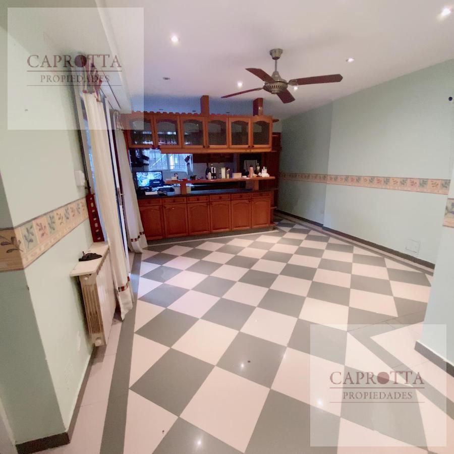 Foto Casa en Venta en  Villa Devoto ,  Capital Federal  Joaquin V Gonzalez al 4200