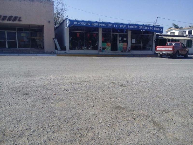 Foto Local en Venta en  Ciudad Abasolo,  Abasolo  Local con terreno en venta Abasolo