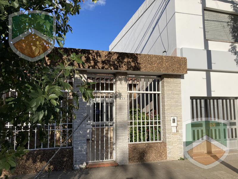 Foto Casa en Alquiler en  Rosario ,  Santa Fe  Av. Provincias Unidas al 200
