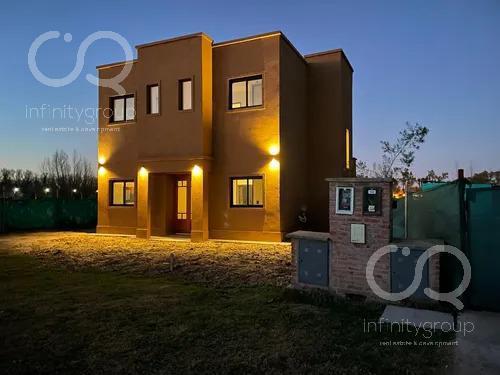 Foto Casa en Venta en  Vila Marina II,  Countries/B.Cerrado (Tigre)  Casa a Estrenar - Vila Marina II - Villanueva