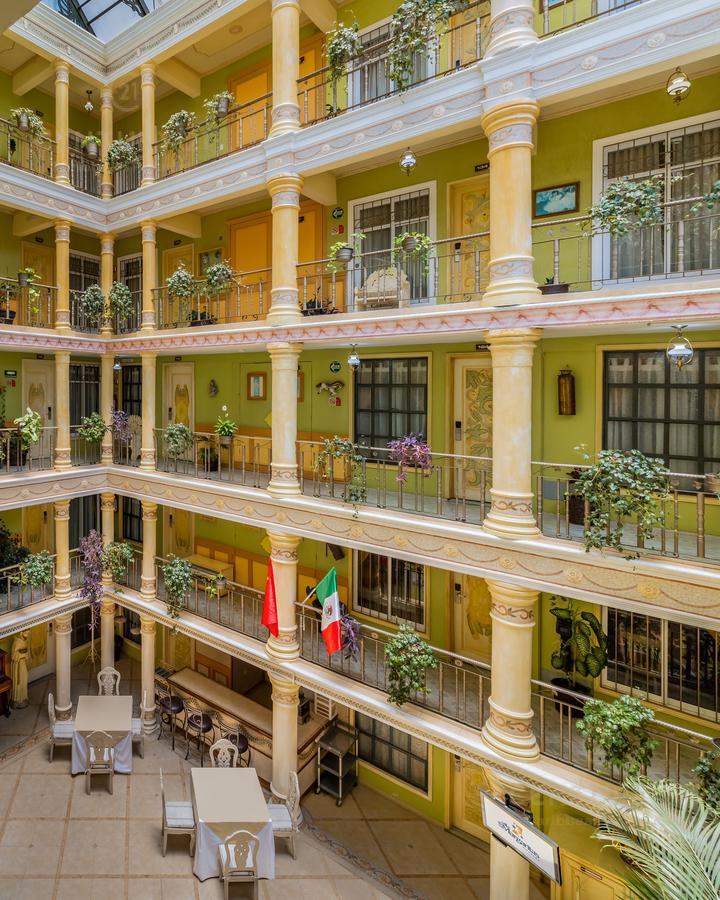 Encinal Hotel for Venta scene image 0