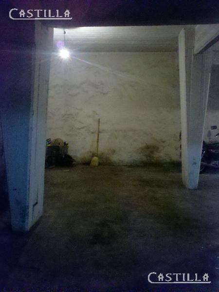 Foto Cochera en Venta | Alquiler en  San Isidro,  San Isidro  ITUZAINGO entre ACASSUSO y JUAN JOSE DIAZ