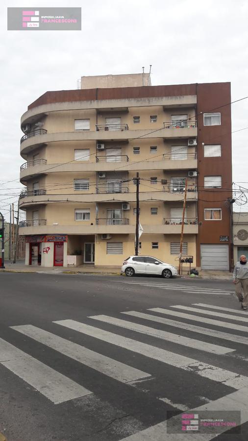 Foto Departamento en Venta en  La Plata,  La Plata  18 58 y 59