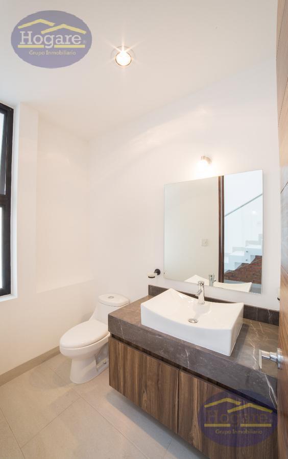 Casa Nueva Precio Pre-Venta 3 Recámaras 3.5 baños Barranca del Refugio León Gto