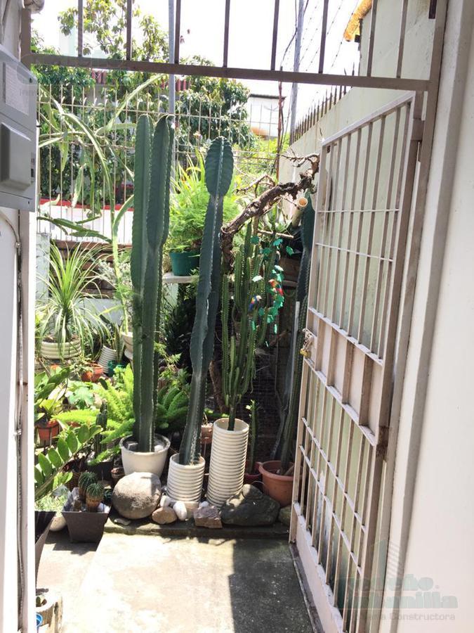Foto Casa en Venta en  Sur de Guayaquil,  Guayaquil  VENTA CASA EN BARRIO CENTENARIO CERCA DE TODO