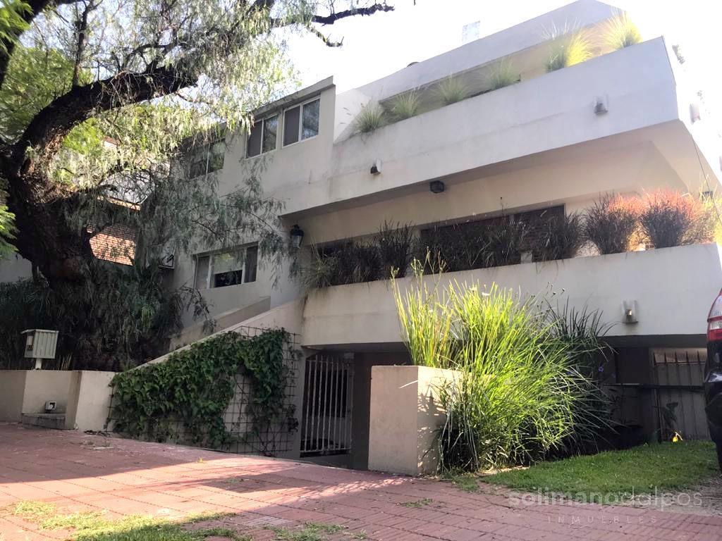 Foto Casa en Venta | Alquiler en  Mart.-Vias/Libert.,  Martinez  CARLOS CASARES al 2300