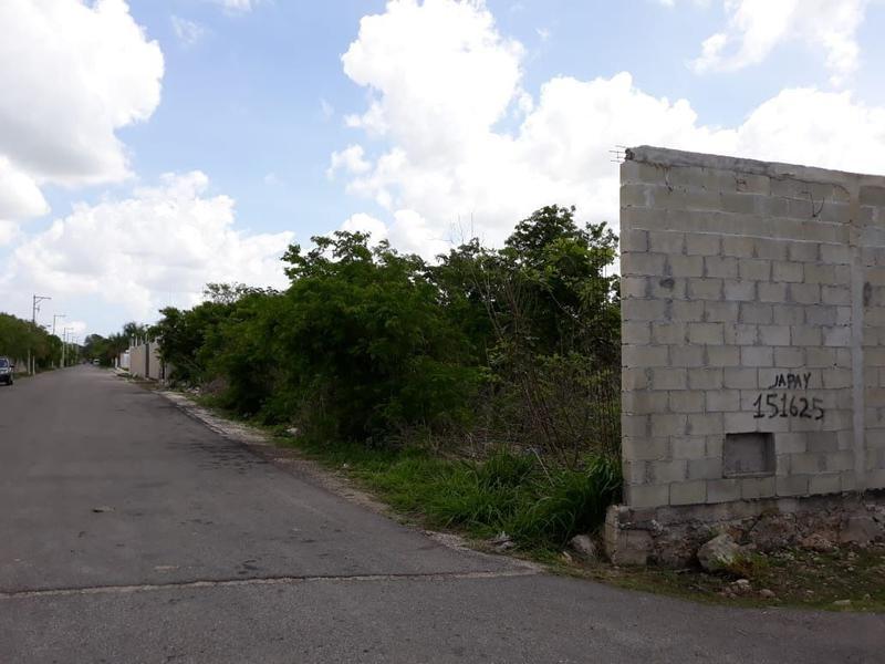 Foto Terreno en Venta en  Hacienda Xcanatun,  Mérida   Se Vende Terreno en Temozón Norte a unos metros de Xcanatún.