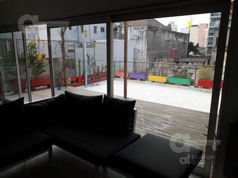 Foto PH en Alquiler temporario en  San Cristobal ,  Capital Federal  Alberti al 1000