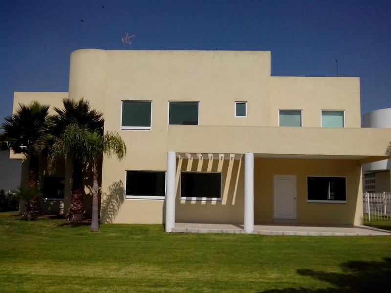 Foto Casa en Renta en  Fraccionamiento El Campanario,  Querétaro  Amplia Residencia en Renta