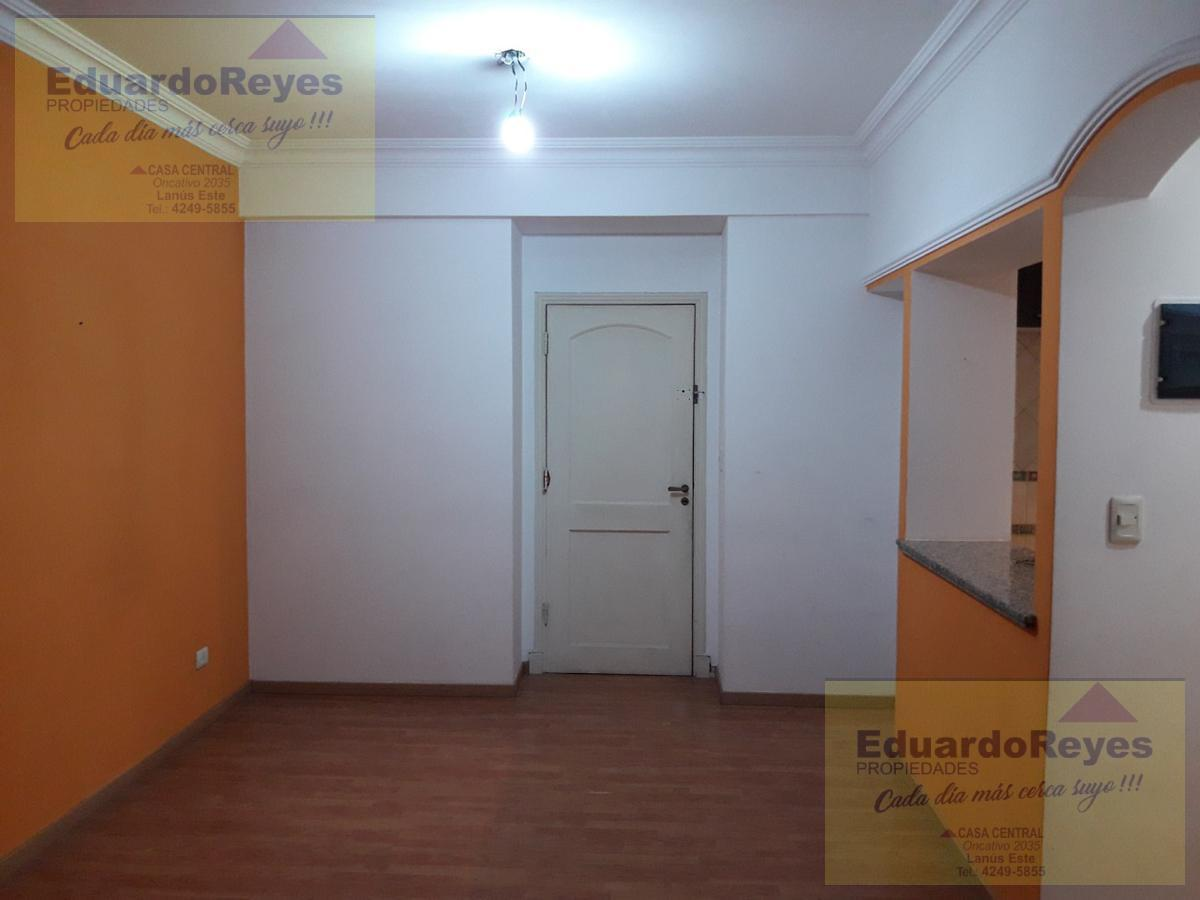 Foto Departamento en Venta en  Lanús Oeste,  Lanús  VELEZ SARSFIELD 2740  PISO 1