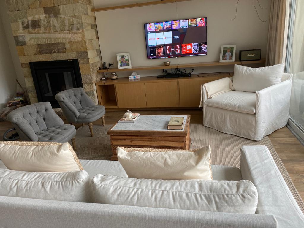 Foto Casa en Venta en  Banfield Oeste,  Banfield  Grigera 235