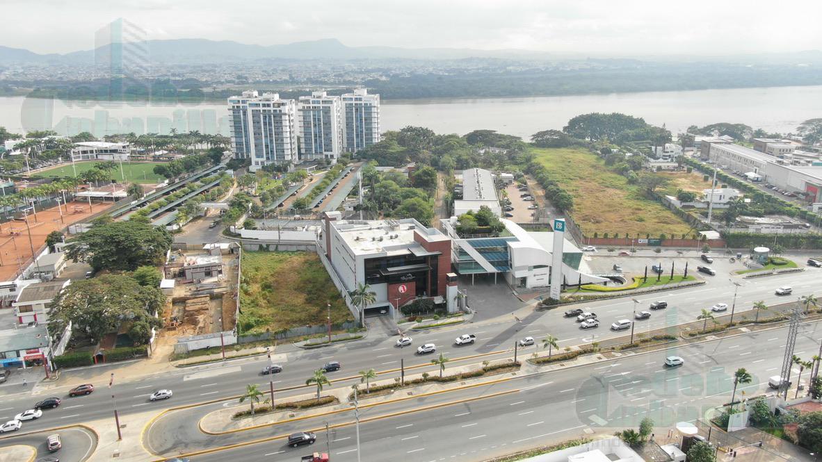 Foto Terreno en Venta en  Samborondón,  Guayaquil  VENTA DE TERRENO AL RIO VÍA SAMBORONDON