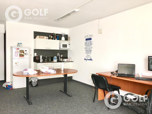 Foto Oficina en Alquiler en  Pocitos Nuevo ,  Montevideo  Frente a Montevideo Shopping y WTC. Oficina con garaje.
