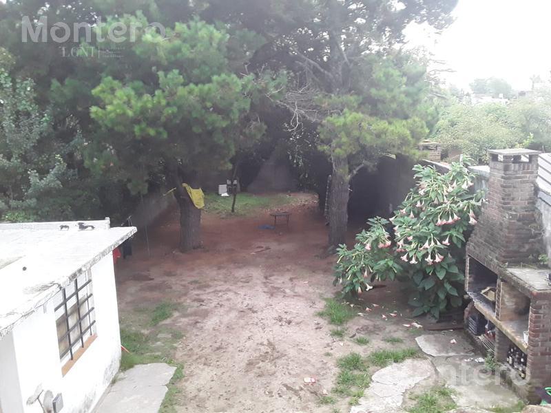 Foto Casa en Venta en  Villa Gesell ,  Costa Atlantica  Av. 12 N°966. Villa Gesell