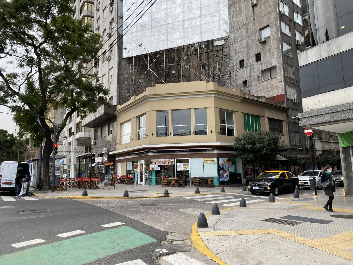 Foto Local en Alquiler en  Retiro,  Centro (Capital Federal)  Carlos Pellegrini 1001