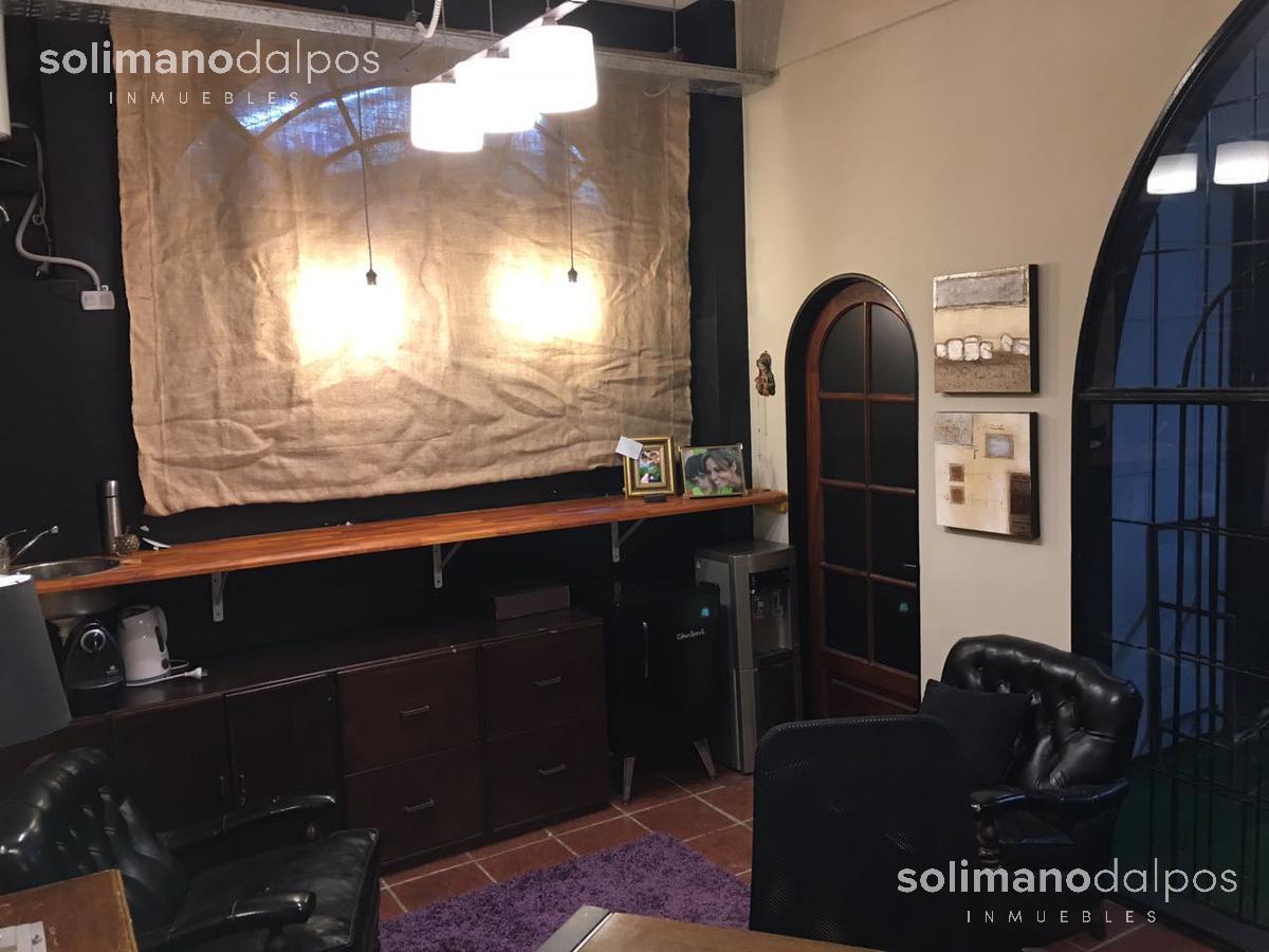 Foto Local en Venta | Alquiler en  La Lucila-Vias/Maipu,  La Lucila  Debenedetti al 600