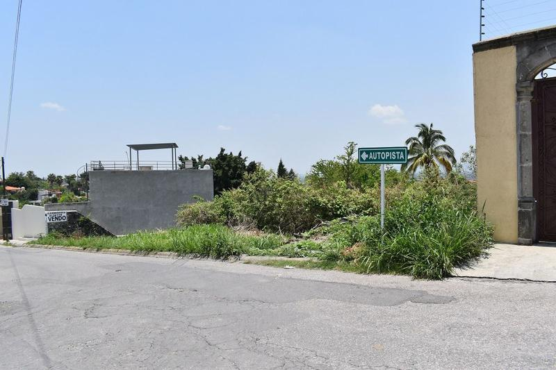 Foto Terreno en Venta en  Fraccionamiento Burgos,  Temixco  Venta terreno en Fraccionamiento Burgos Cuernavaca Morelos