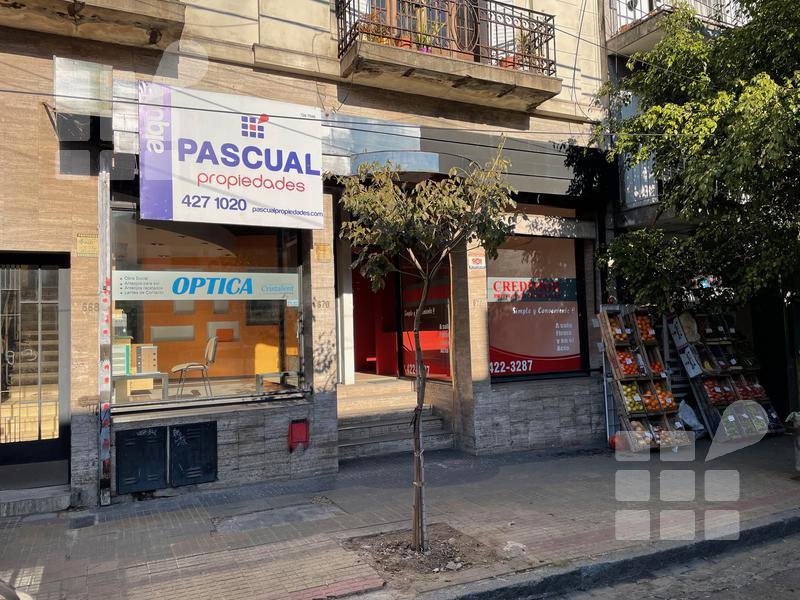 Foto Local en Alquiler en  La Plata ,  G.B.A. Zona Sur  46 e/ 8 y 9