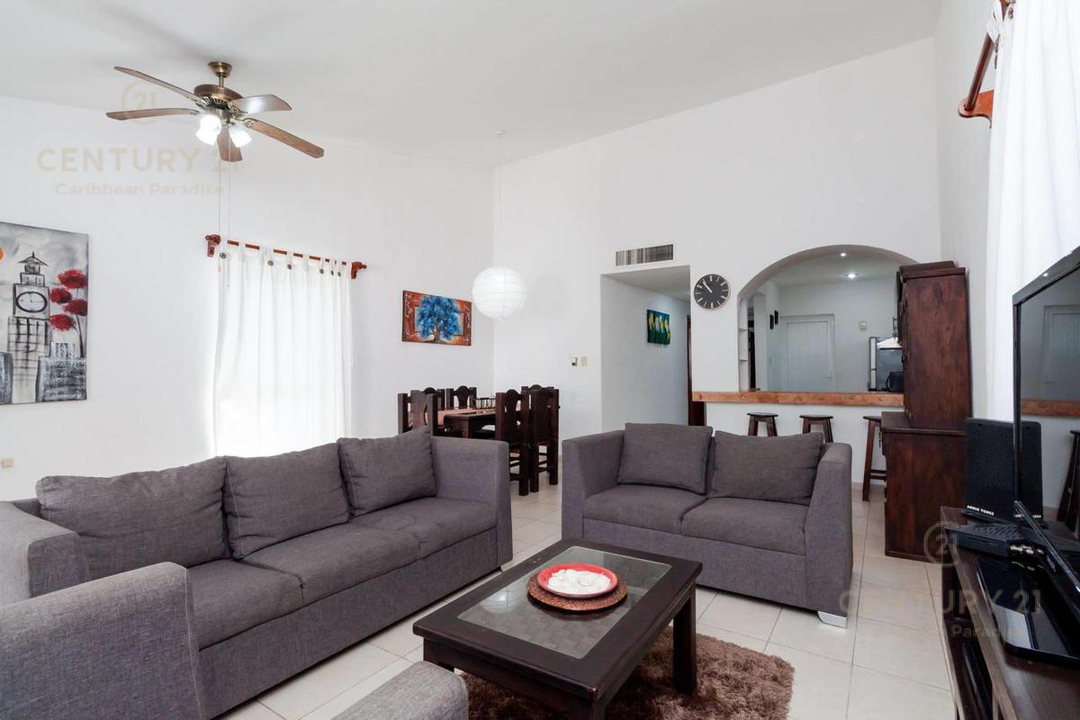 Fraccionamiento Playacar Fase II Apartment for Rent scene image 1