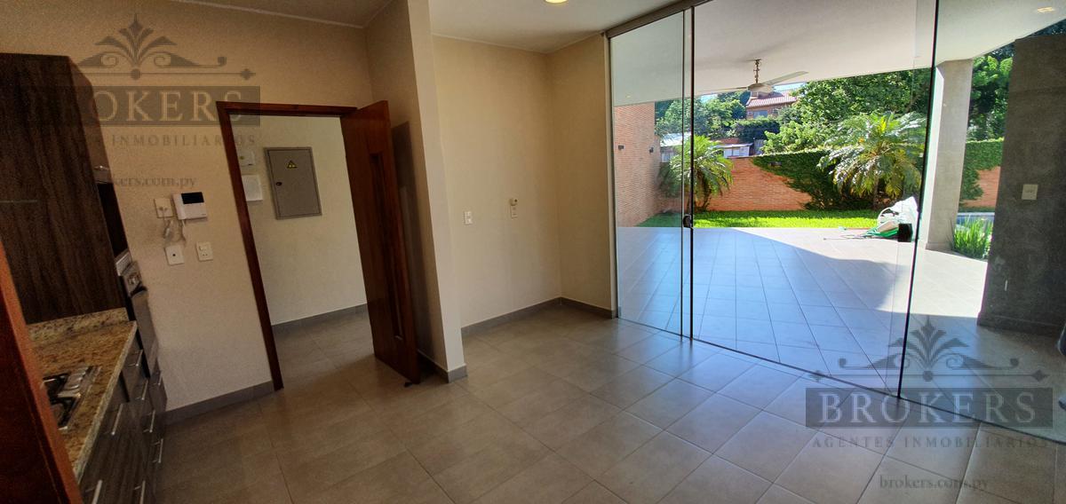 Foto Casa en Alquiler en  Mburucuya,  Santisima Trinidad  Alquilo Moderna Residencia De 3 Dormitorios  Con Piscina En Barrio Mburucuya