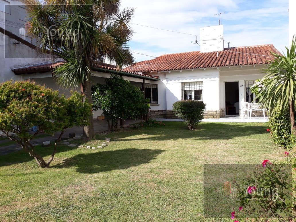 Foto Casa en Venta en  Miramar,  General Alvarado  Calle 13 al 1200, Miramar