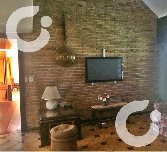 Foto Casa en Venta | Alquiler en  Carrasco ,  Montevideo  Carrasco clásico, familia grande o empresa
