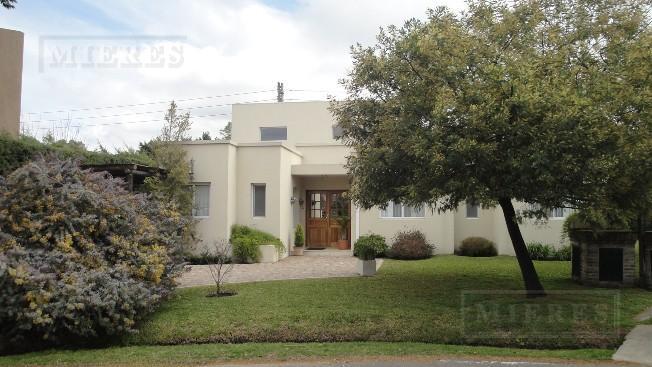 Oportunidad - Casa de 171 mts. en Los Tacos