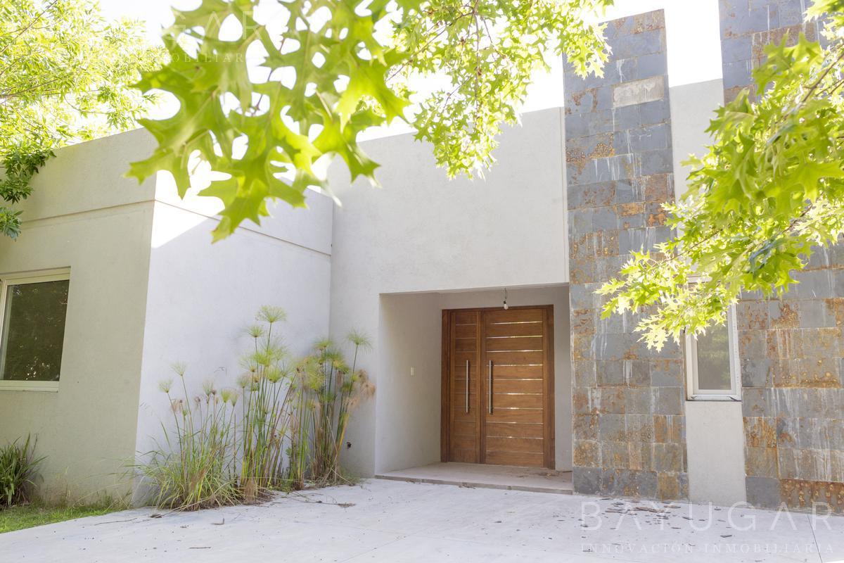 Foto Casa en Venta en  Los Alcanfores,  Countries/B.Cerrado (Pilar)  CASA VENTA   A Estrenar en Barrio Los Alcanfores - Bayugar Propiedades